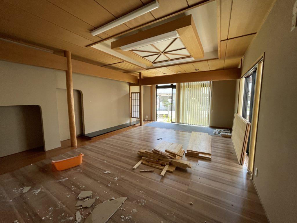 家族葬のつばさホール上田踏入店改装工事が始まりました。